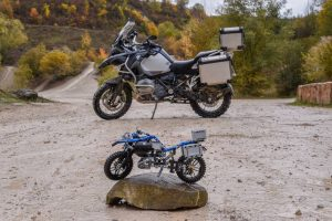 lego-technic-bmw-r-1200-gs-adventure-42063-outdoor-stone