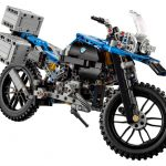 lego-technic-bmw-r-1200gs-adventure-42063-side-945x785