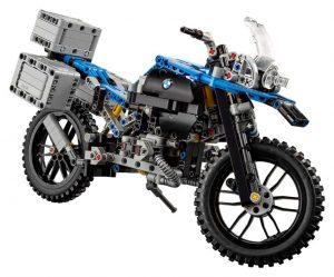 lego-technic-bmw-r-1200gs-adventure-42063-side-945x785